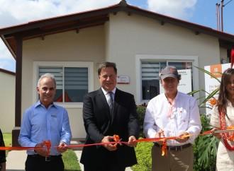 Presidente Varela destaca asociación público-privada para construir más viviendas para los panameños