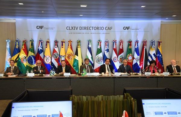 Panamá bilingüe y con mejores servicios básicos para mejorar su productividad