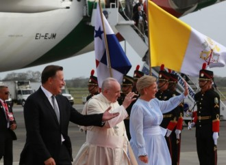 Llega a Panamá el papa Francisco, máximo jerarca de la Ciudad Vaticano