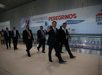 Presidente Varela recibe a peregrinos en la nueva Terminal 2 del Aeropuerto Internacional de Tocumen