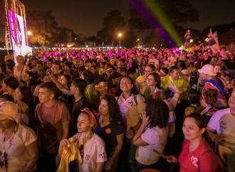 Luna Llena de Tambores dio la bienvenida a miles de voluntarios de la JMJ