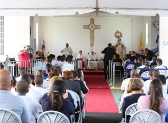 Presidente Varela participa de liturgia penitencial que celebró el papa Francisco en el Centro de Cumplimiento de Menores