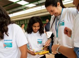 Samsung amplia las posibilidades de niñas de la región al centrar en la tecnología su aporte a la educación