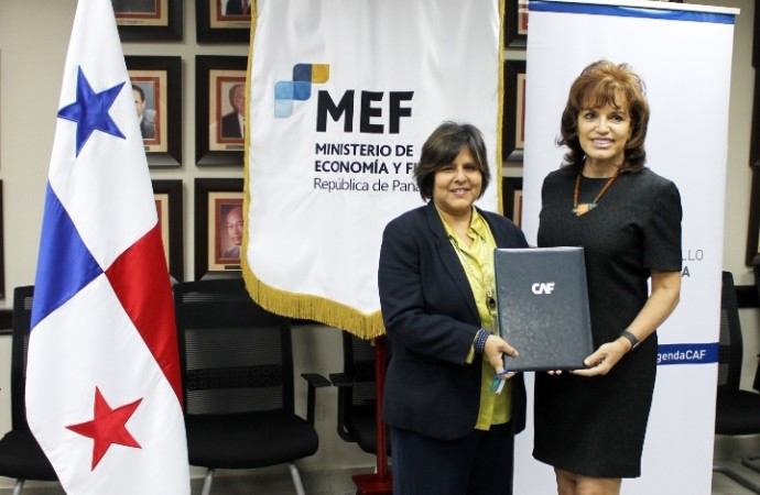 CAF y MEF firman contrato que fortalecerá la enseñanza del idioma inglés en centros educativos oficiales