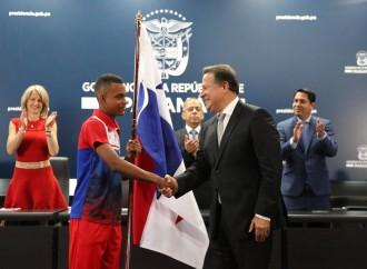 Presidente Varela entrega Pabellón Nacional a atletas que representarán a Panamá en los Juegos Mundiales de Verano de Olimpiadas Especiales en los Emiratos Árabes