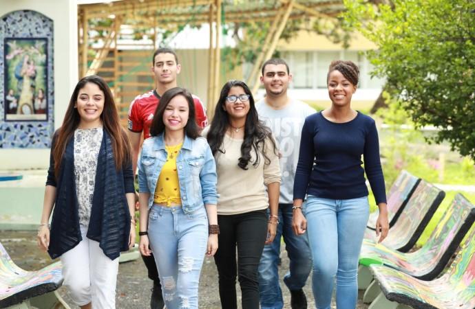 La USMA premia a los mejores estudiantes de Panamá con la Beca Excelencia