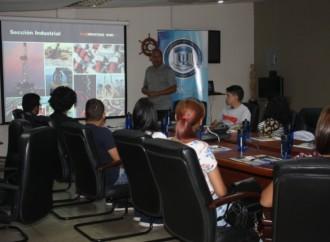 Estudiantes de la Universidad Latina de Panamá visitan las instalaciones de Maxindustrias
