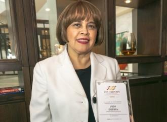 Directora de Congresos y Convenciones de Hoteles Bern es galardonada por la revista Latinamerica Meetings