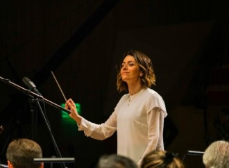 Alondra de la Parra y la Orquesta Filarmónica de las Américas dan vida a Unfinished Symphony de Huawei en la Ciudad de México