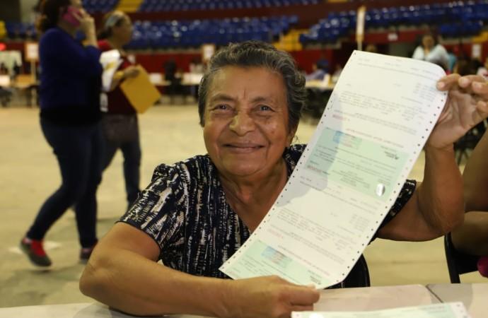"""""""Entrega de los CEPADEM es el resultado de la lucha contra la corrupción cuyos fondos son devueltos al pueblo panameño"""", aseguró el presidente Varela"""