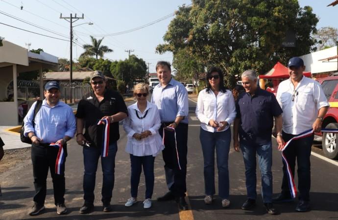 Presidente Varela entrega más de 60 kilómetros de carretera en gira por Los Santos y Herrera para impulsar el turismo, producción agrícola y mejorar el transporte