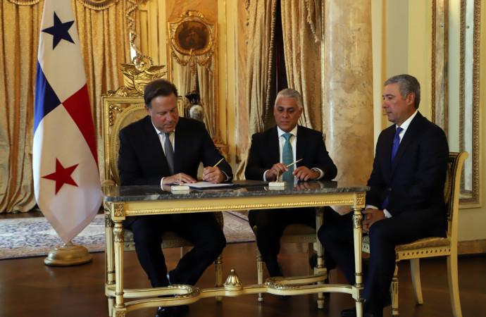 Arrocha y Zamorano toman posesión como magistrados de la Corte; Presidente Varela pide a todos los funcionarios lealtad al Estado