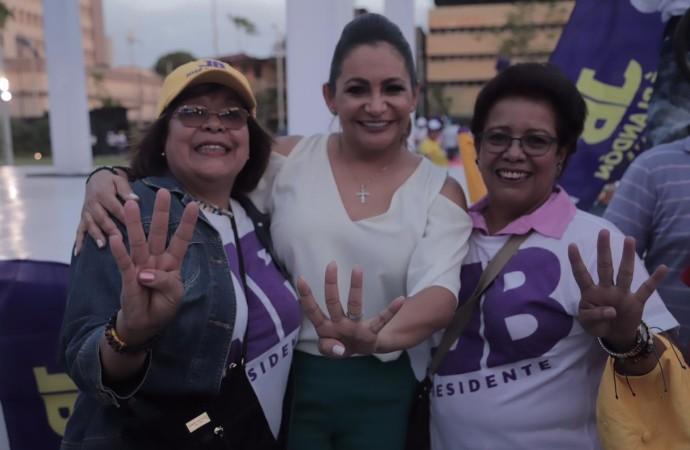 Mujeres de todos los sectores dan su respaldo a fórmula presidencial Blandón – Quijano