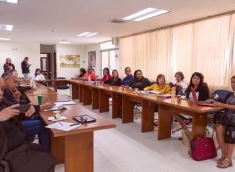 Ministra de Trabajo se reúne para evaluar implementación del Sello de Igualdad en el Sector Público