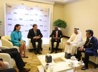 Panamá es un país con desarrollo logístico y seguridad jurídica, claves para la inversión extranjera, asegura el presidente Varela