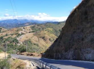 Gobierno mejora infraestructura vial en la comarca Ngäbe Buglé al entregar 36.2 kilómetros de nuevas carreteras