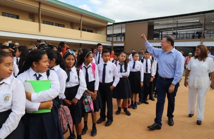 «Construcción de colegios modelo frena la migración de los campos de familias que buscan mejor educación para sus hijos», presidente Varela