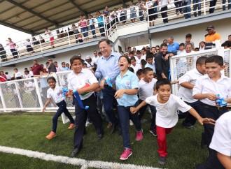 Presidente Varela entrega nuevo Complejo Deportivo de Atalaya
