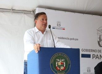 Presidente Varela entrega orden de proceder para proyecto vehicular que corregirá obra «fracasada» de la pasada administración