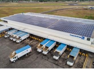 Copa Airlines apuesta por energía limpia instalando paneles solares en su Centro de Abastecimiento a Bordo
