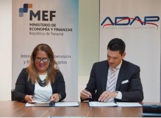 Nuevo acuerdo de cooperación entre la Intendencia de Supervisión y Regulación de Sujetos no Financieros y ADAP