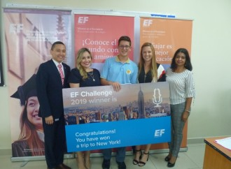 Gran final del EF Challenge del Concurso de Oratoria Internacional para estudiantes de secundaria
