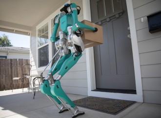 Ford trabaja en un robot que cambiaría la manera en que vehículos autónomos harán entregas