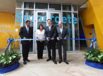 Presidente Varela inaugura tres nuevas galerias del Biomuseo y entrega Orden Belisario Porras al doctor Rodrigo Eisenman