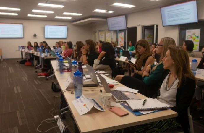 Panameña entre las centroamericanas que continúan con la plataforma LEADS Mujer Mastercard e INCAE