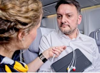Electrocardiograma a una altitud de 10.000 metros: Lufthansa utiliza la telemedicina a bordo de su flota de larga distancia