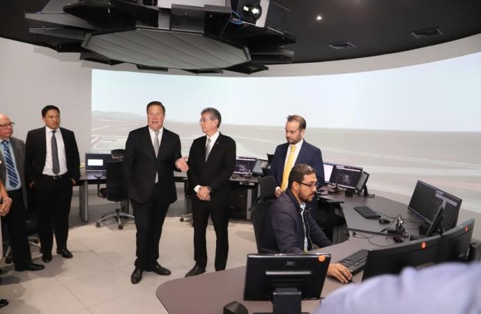 Nuevo simulador para formar controladores aéreos es entregado por el presidente Varela
