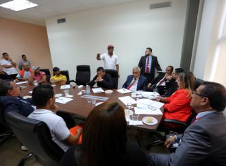 Gobierno busca acuerdos entre trabajadores y empresa portuaria