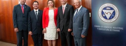 Autoridades del Mitradel sostienen reunión con representantes degremios empresariales