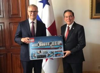 Ejecutivos de principal naviera del mundo se reúnen con presidente Cortizo Cohen