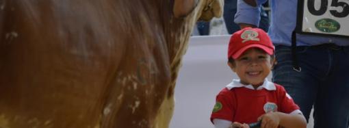 Los niños toman el mando en Agroexpo