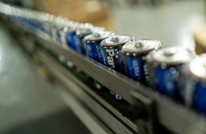 Panasonic disminuye en 30% el plástico de los empaques de pilas