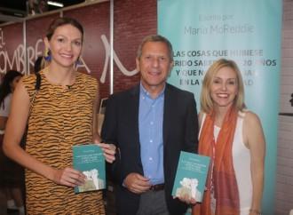 Embajada de Argentina en Panamá acompañó a la escritora argentina María McReddie en la Feria Internacional del Libro