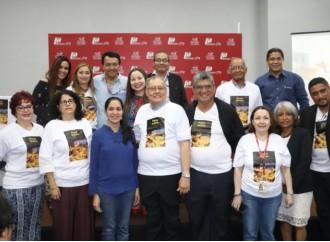 Editorial La Antigua presentó dos obras colectivas en Feria del Libro