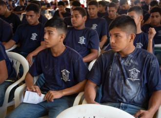 Capacitaciones contra el trabajo infantil en escuelas vocacionales