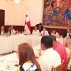 Presidente de la República se reúne con representantes de 17 gremios docentes