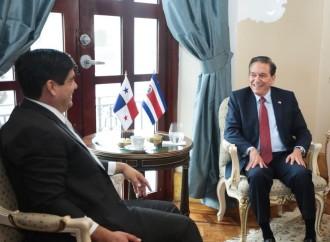 Mandatarios de Costa Rica y Panamá acuerdan celebrar gabinete binacional