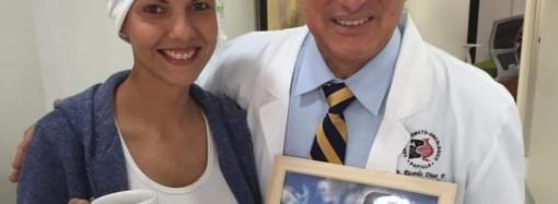 Como paciente de cáncer creó una marca de pulseras como terapia y ahora como sobreviviente motiva a otras personas