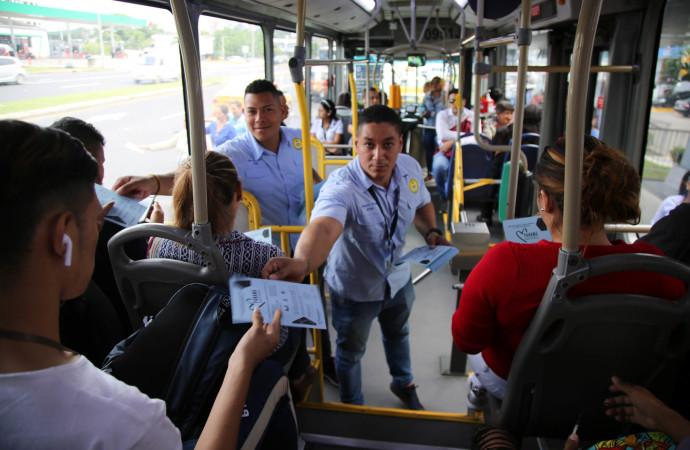 Voluntarios del Mitradel realizan volanteo para concienciar contra la Trata de Personas