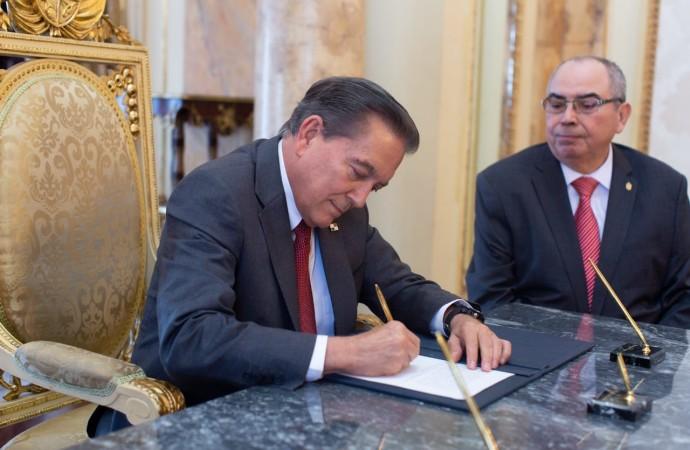 Dilio Arcia Torres asume como Fiscal General Electoral