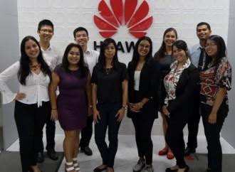 Diez estudiantes panameños viajarán a China para recibir entrenamiento tecnológico en Huawei
