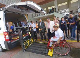 """Personas con discapacidad y familias cuentan con bus """"Ruta Accesible a Senadis"""""""