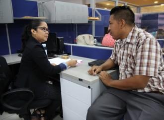 Personas con discapacidad atienden oportunidades laborales