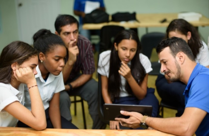 Samsung y Glasswing International trabajan mano a mano para llevar la tecnología a las aulas de clases