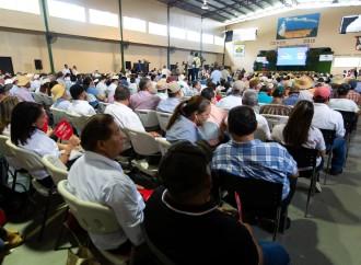 Presidente sanciona ley que devuelve FECI al sector agropecuario
