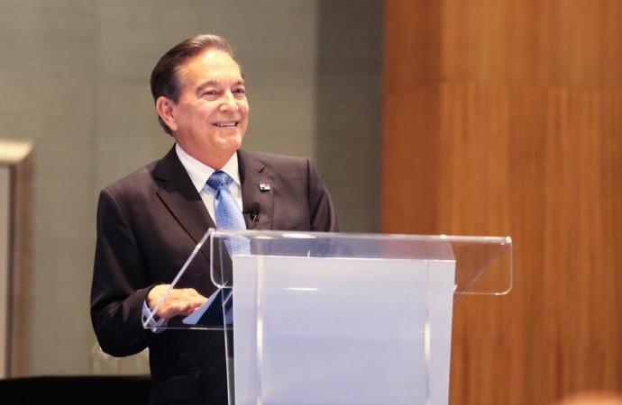 Plan Manos a la Obra rehabilitará la red vial del país